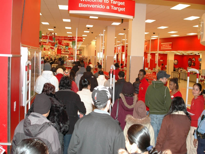 Black+Friday+shoppers+flood+into+Target.+